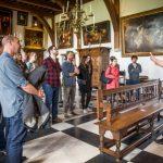 Volg een rondleiding door kasteel Muiderslot.