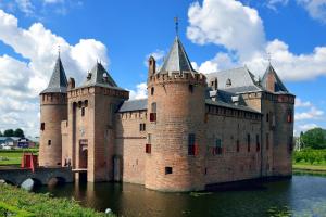 Bestemming Muiderslot: Vaar mee vanuit Amsterdam of Almere