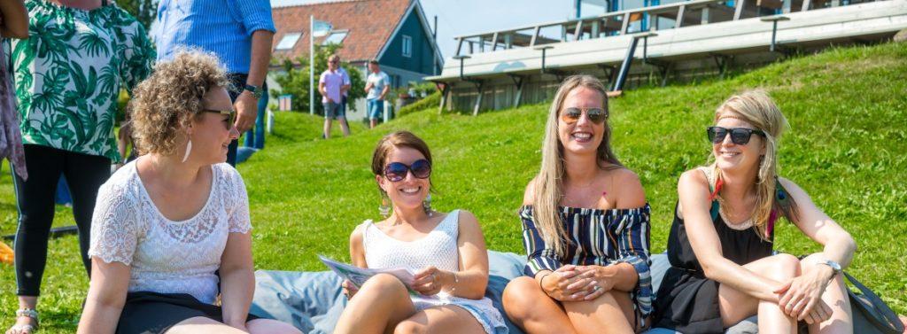 Stadspas actie zomer 2020 meiden in het gras Pampus Eiland